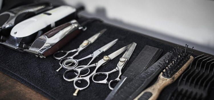 Czym wyróżniają się nożyczki używane przezfryzjerów?